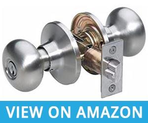1. Master Lock Keyed Entry Knob Door Lock BCO0115